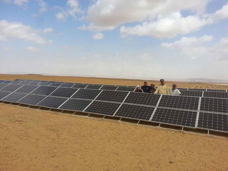 Estación de energía solar de tierra Restar 78KW en Alexandria Egypt, mayo de 2015.